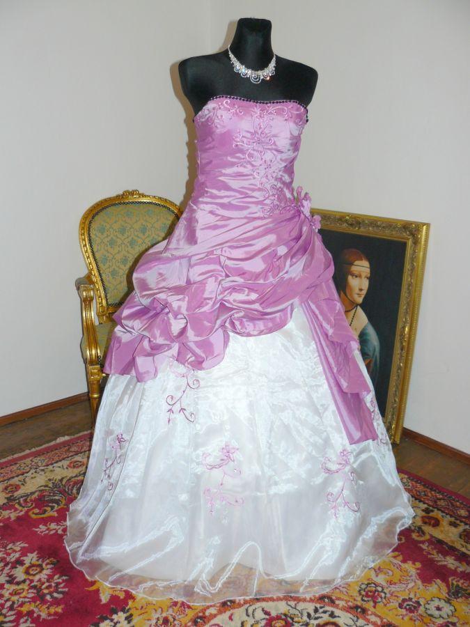 Plesové xs s p plesové šaty skladem plesové bílá plesové šaty 1a8626e5b0